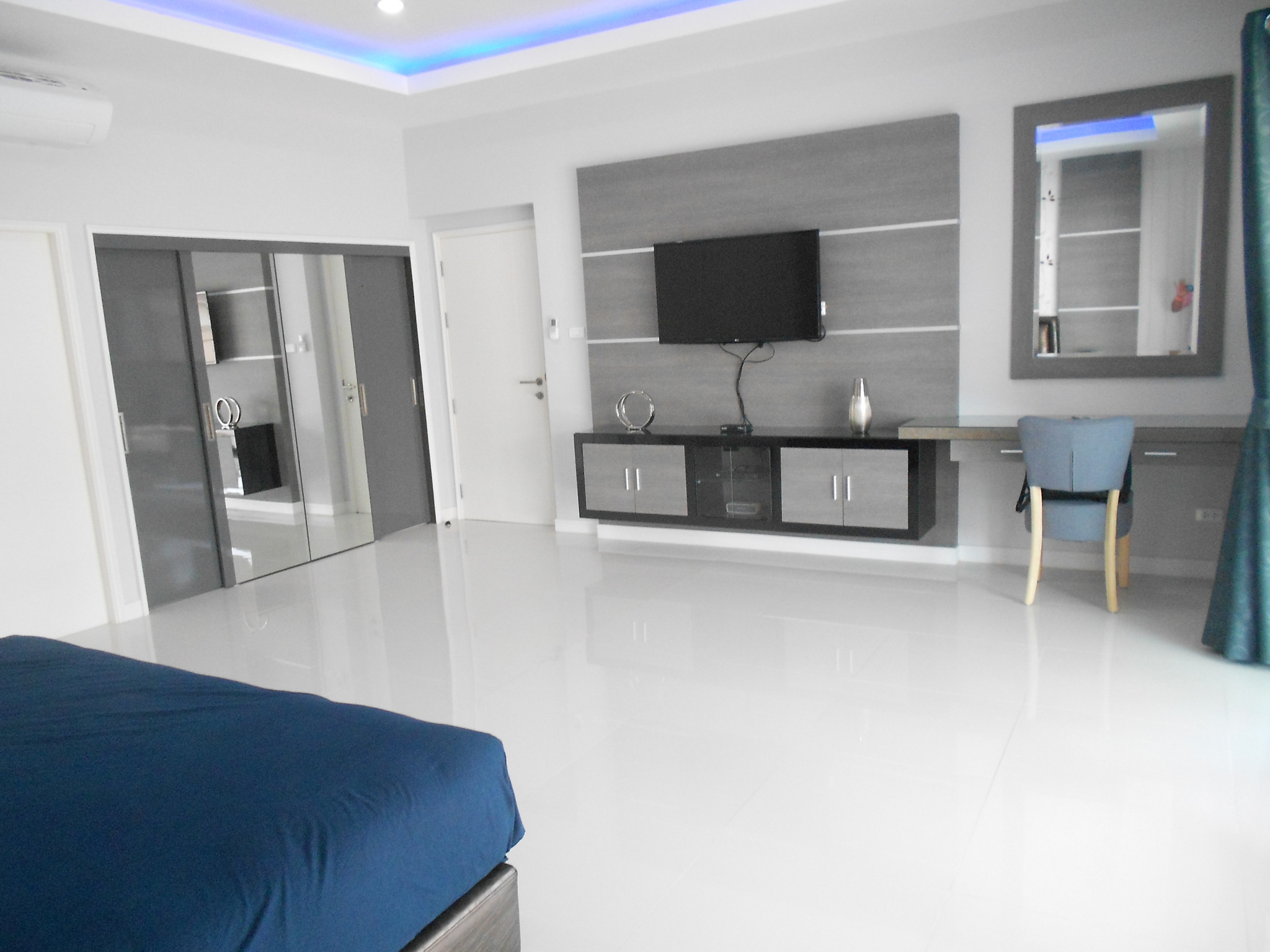 bedroom with tv